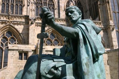 Статуя Константина Великого в Йорке